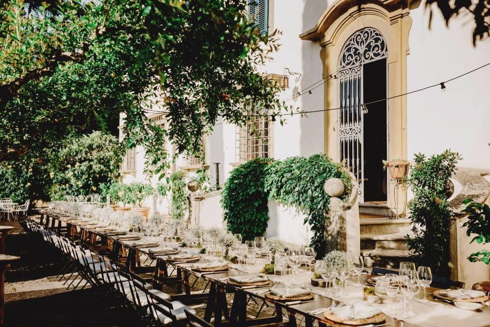 Wedding In Tuscany: typical reception in a Villa