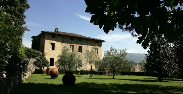 Romantic villa in Tuscany near Pisa and Lucca