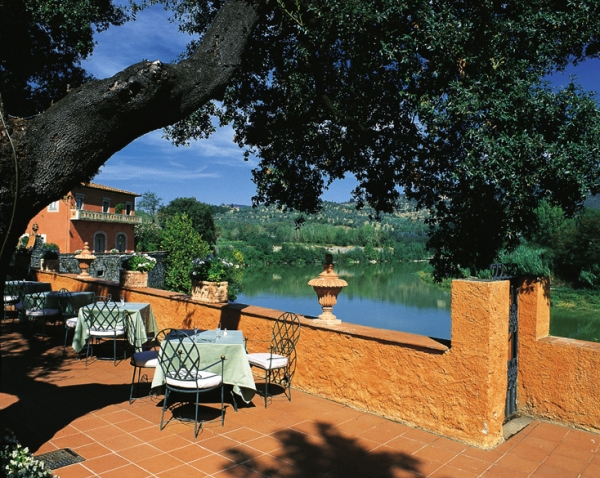 Wedding in a Villa on the shores of the Arno river, Florence