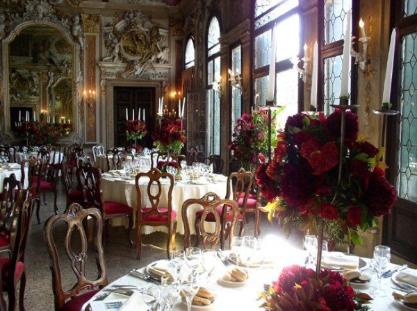 Wedding in Venice in an Intimate palace with a large garden