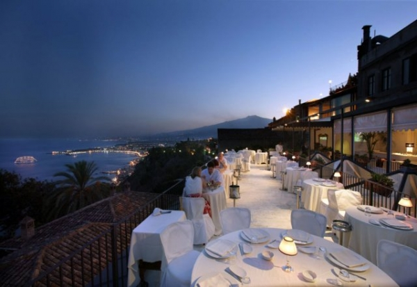 Club Restaurant In Taormina Gt Weddings In Sicily Wedding