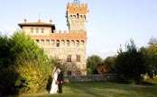 13. Castle and hamlet in Tuscany