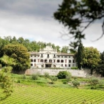 Imposing elegant villa in the Chianti region