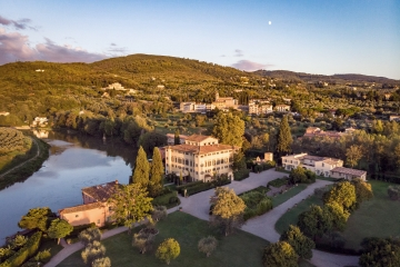 Luxury Hotel on the Arno River